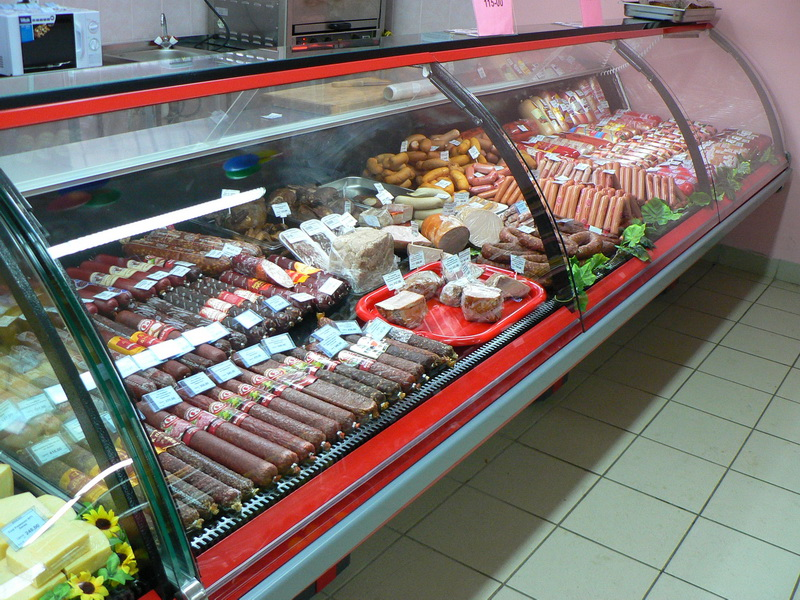выкладка колбасы на горке биев казахском