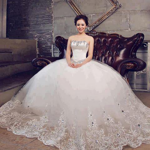 Прогуляйтесь по модным салонам города и узнайте, где можно купить свадебное платье в Барнауле! А те, кто купил свадебное платье в Екатеринбурге